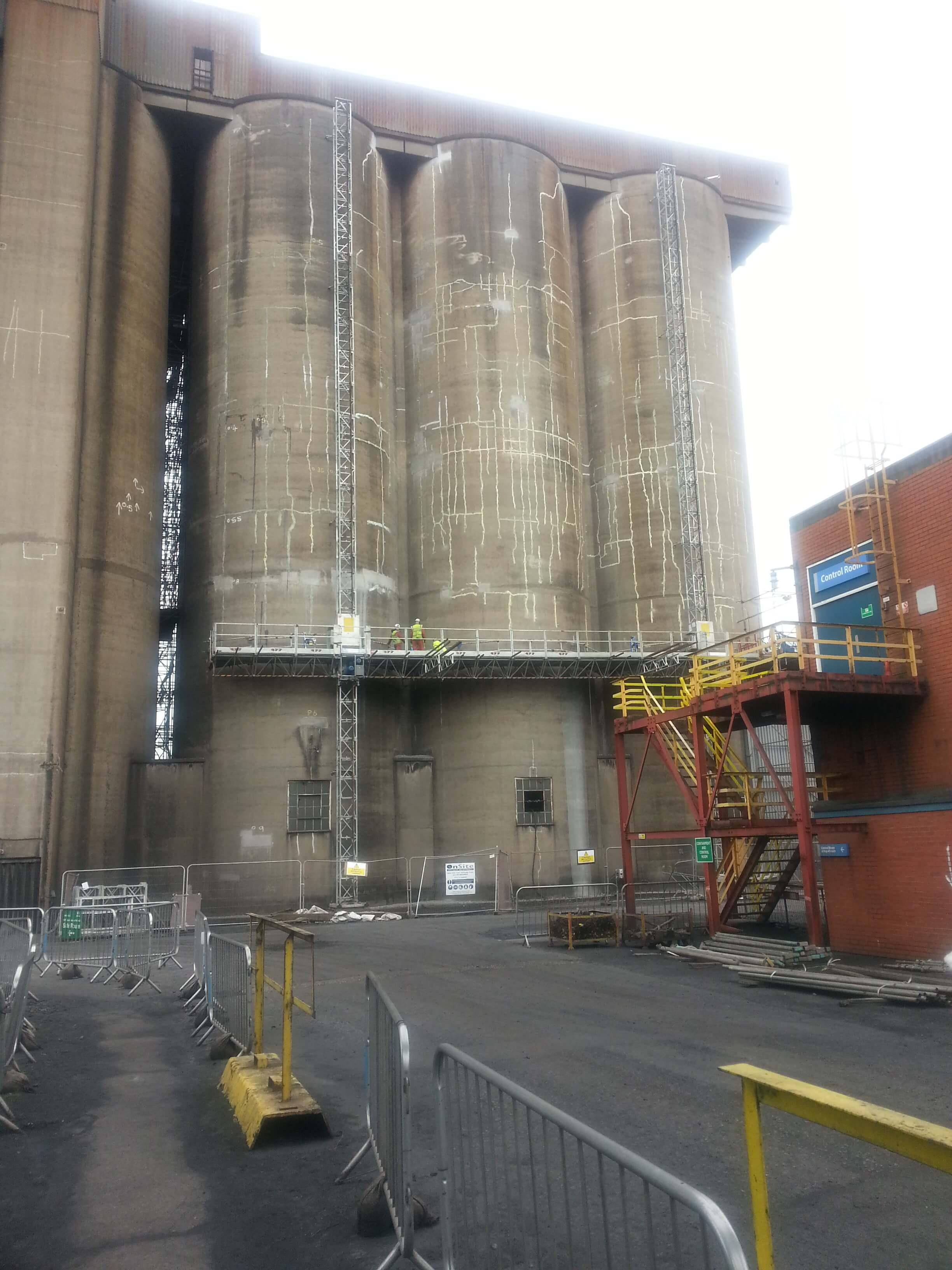 Repairing concrete silos